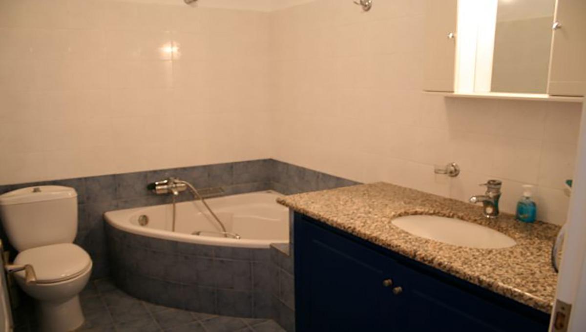 6-Ground-Floor-apartment-bathroom