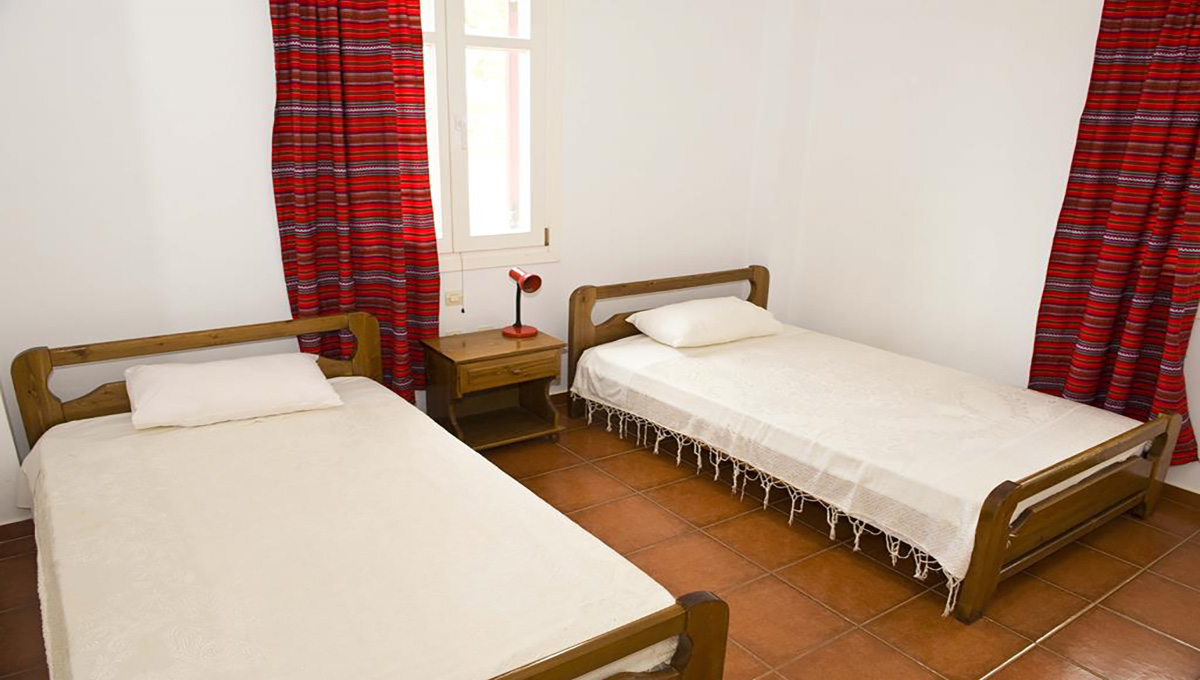 villa_pandora_first_floor_single_beds_room
